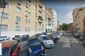 Roma, Via Savona: poche piante e tante auto!