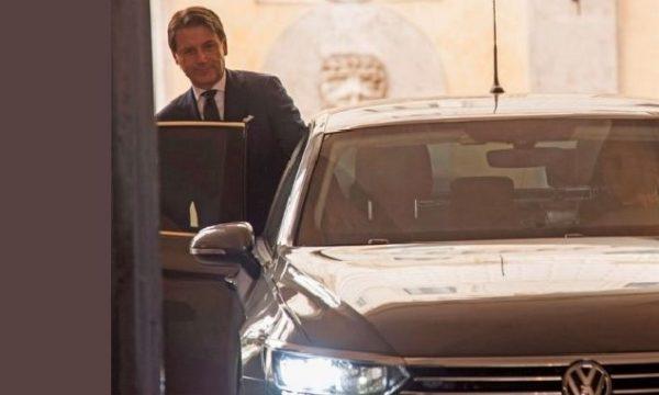 Conte a Palazzo Chigi in Volkswagen: alla faccia del sovranismo! di Nicola Porro