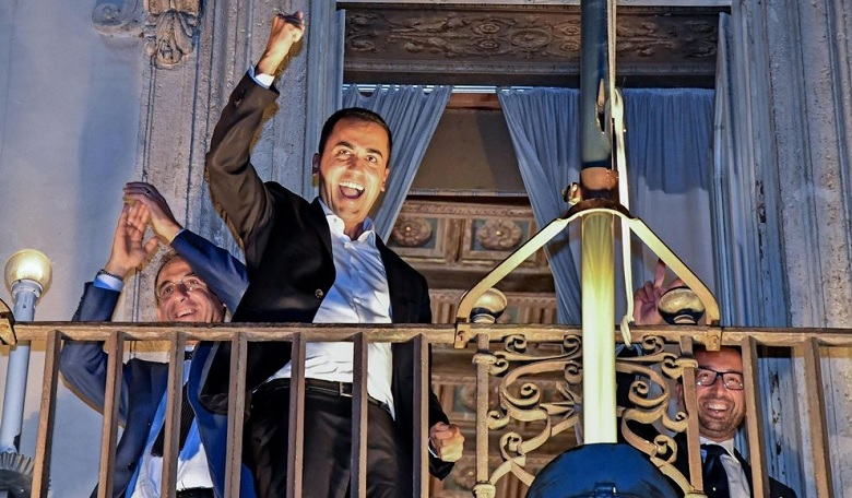 Di Maio: 'Manteniamo la promessa sull'Iva e lunedì il taglio dei parlamentari'.