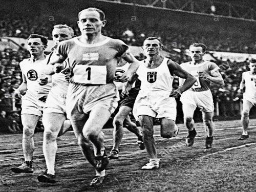 Gli dei dello sport. Paavo Nurmi. di Alberto Sigona