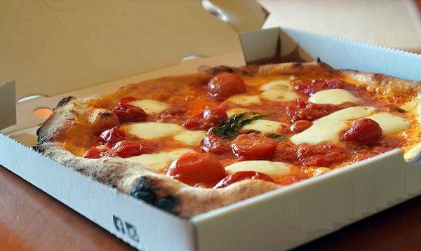 A Napoli le pizzerie più blasonate preferiscono la chiusura all'asporto! di Antonello Laiso