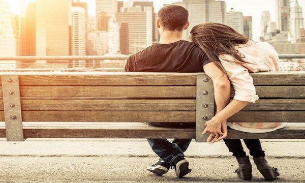 Si innamora chi è alla ricerca di un nuovo mondo, di una nuova vita, di un nuovo futuro.