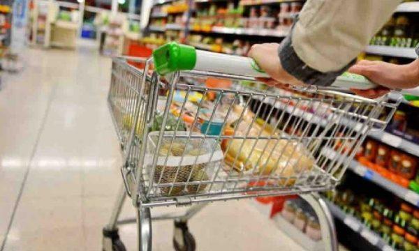"""Quelle dieci euro """"trovate"""" in terra al supermercato. di Antonello Laiso"""