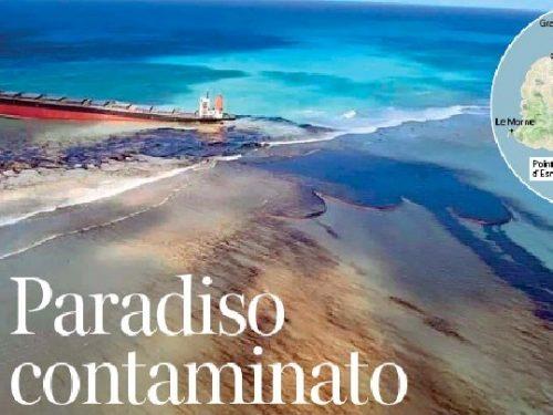 Petroliera incagliata minaccia l'isola di Mauritius.