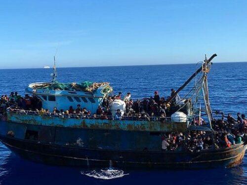 Migliaia di migranti sbarcano a Lampedusa!