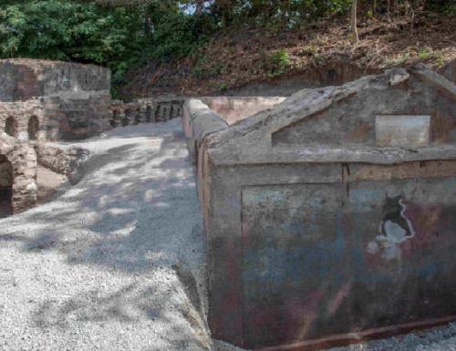 Pompei: scoperta una tomba unica e rara.