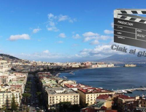 """Tutti pazzi per gli artisti """"Made in Naples""""."""